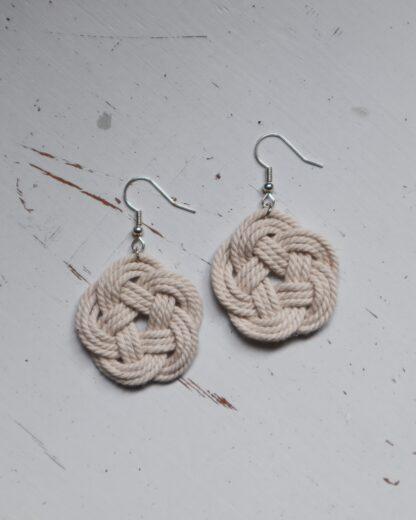 Handgjorda örhängen